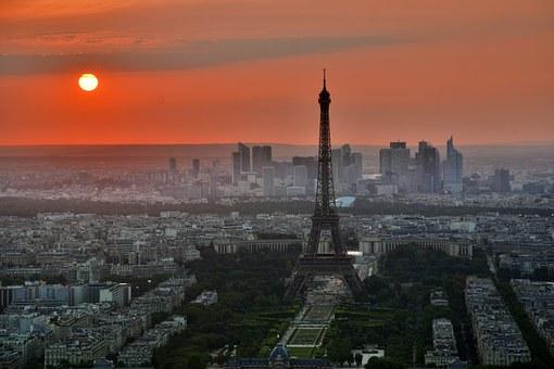12. Madrid y París - París